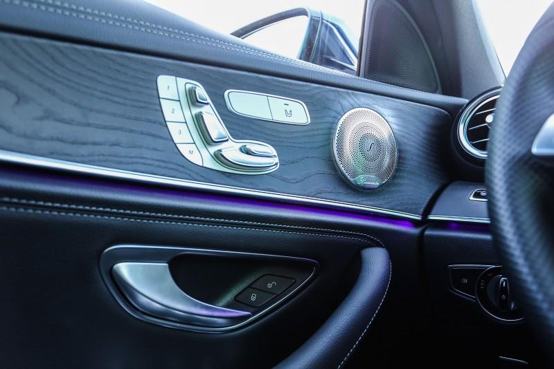 ▲Burmester® 環場音響系統也在試駕車款的選配清單中,於視覺與聽覺面同步提升。