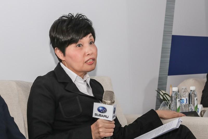 意美汽車方淑霞總經理針對年度銷量與後勤服務維修體系議題表示計畫與目標。