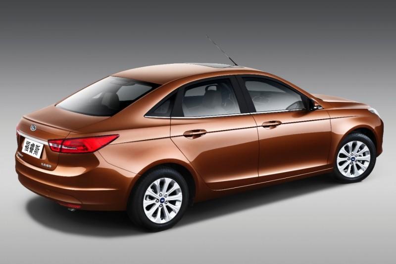 Escort為中國市場量身打造,以C-Segment級距平台,也就是與Focus車型相同級距。