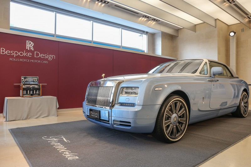 此輛The Blue Magpie Phantom Drophead Coupé採用Rolls-Royce旗下Bespoke最高等級的One-Offs,不僅全球唯一,身價更高達新台幣6,688萬。