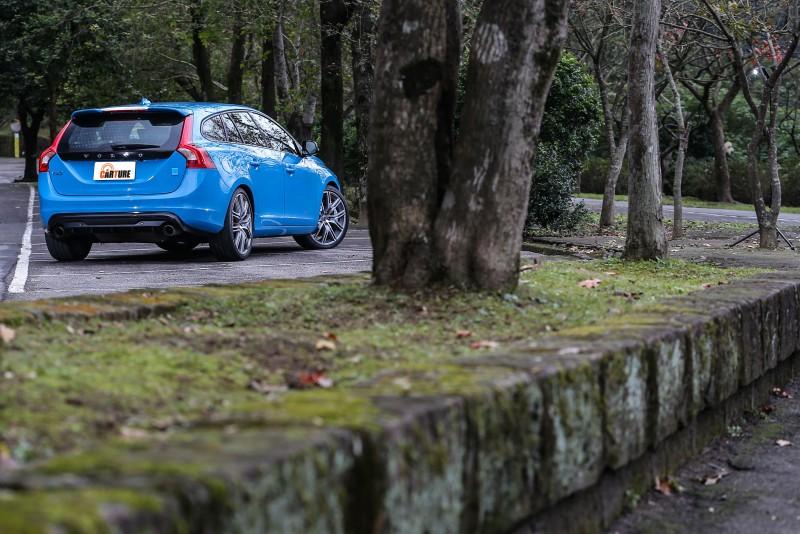 從大鵬灣賽道走入一般街道,Volvo V60 Polestar表現如何?當然是此行試駕重點!