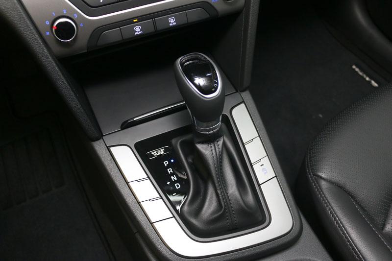 柴油車型搭載了同級車唯一的七速雙離合器自手排變速系統,提供優異的動力傳輸效率。