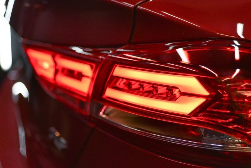 特裝車尾燈導光條已有幾分歐洲性能車風味