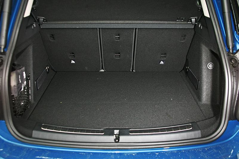 ▲行李廂容積可達450公升,椅背放倒後更可擴充至1390公升。