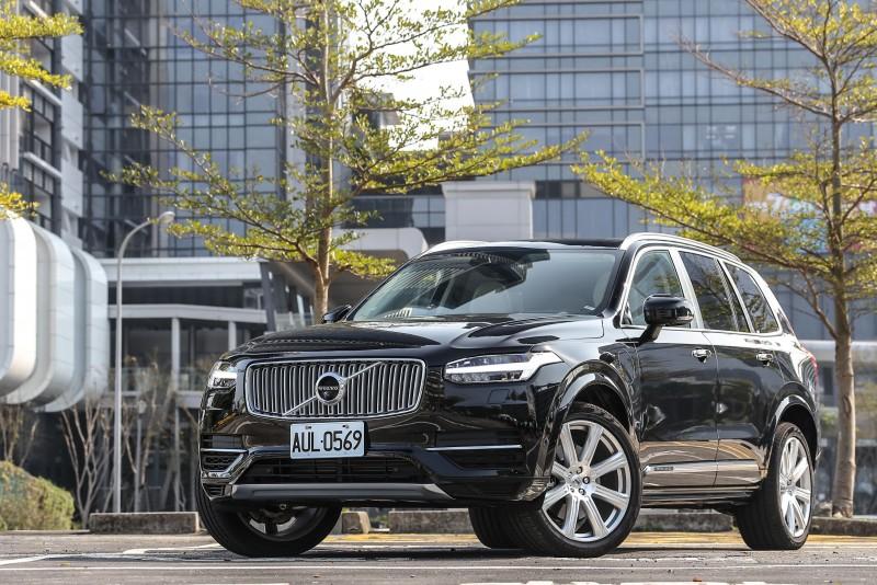 身為Volvo品牌當前定位與售價最高的代表,XC90 T8 Excellence帶來的是舒適面的堆砌,還是另有他意?試了便知!