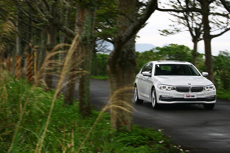 硬要說開完530i Luxury的缺憾,大概只剩動感未若過往明顯吧?但這可以輕鬆透過選擇M Sport或是上級車款解決。