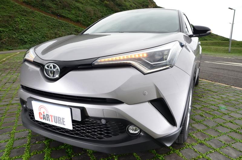 ▲C-HR車頭採新世代Toyota 「Keen Look」家族風貌,使其面容保有相當俐落之神情