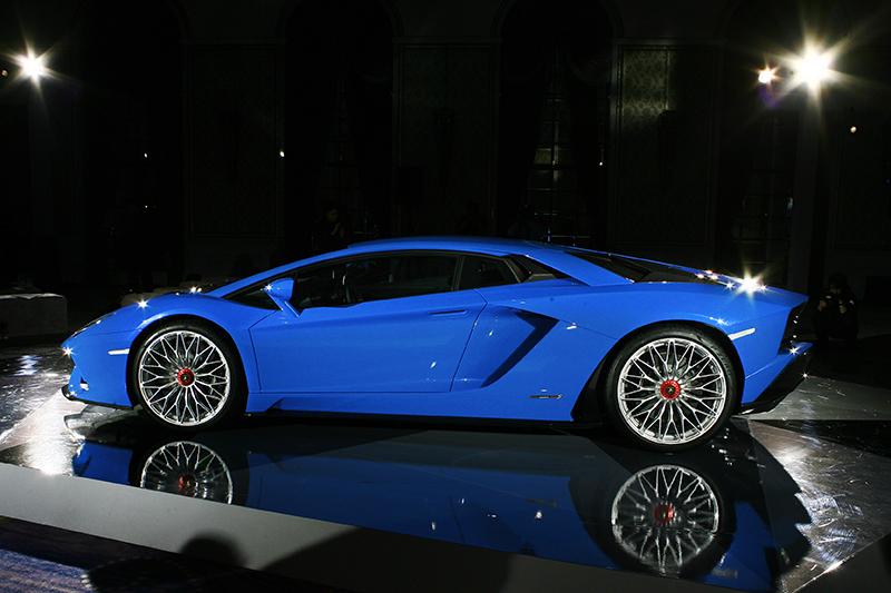 Aventador車系堪稱史上最成功V12跑車,而今Aventador S的現身,正是為了成就完美而來。