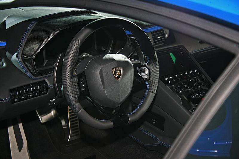 新的TFT數位儀表板可以根據個人的喜好進行設定,除了STRADA,SPORT和CORSA的駕駛模式之外還可結合全新EGO模式,輕鬆擁有更多樣的選擇。