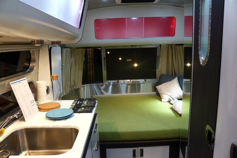 Airstream所有露營車多設有寬敞雙人床。