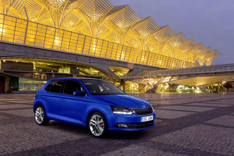 繼去年首度獲選為2016車訊風雲獎「最佳進口小型車」的頭銜後,Škoda Fabia今年再次獲得國內權威汽車媒體的一致青睞,連續二年脫穎而出一舉蟬聯2017車訊風雲獎「最佳進口小型車」的殊榮,堪稱是年輕世代消費客群入主歐洲車的最佳首選。