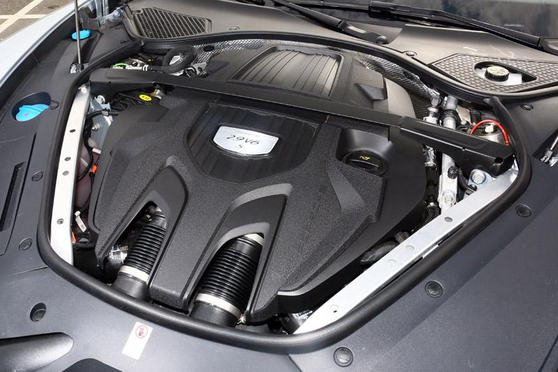 全新的2.9升雙渦輪增壓V6引擎,可輸出440hp最大馬力與550Nm最大扭力。