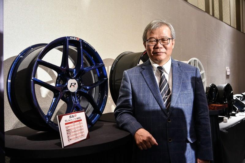 巧新科技總經理石呈澤站在企業長久經營的角度,決心要完成台灣企業最艱辛的一哩路-自有品牌
