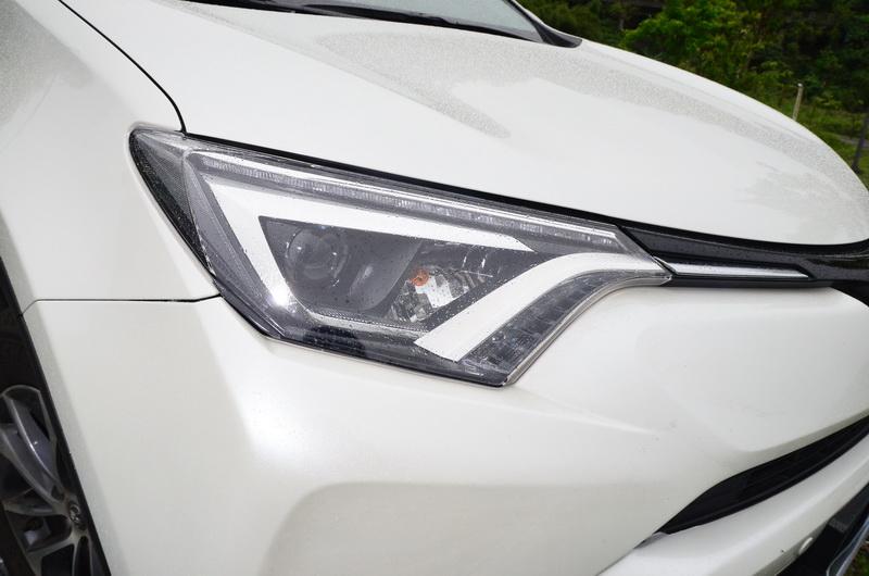 若購買的是2.0升豪華版等級以上則將LED頭燈列為標準配備