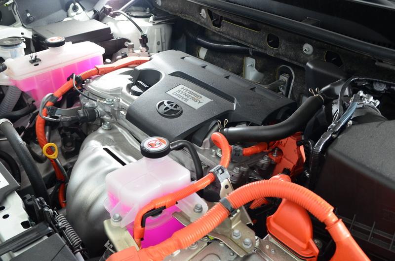 Hybrid車型搭載2.5升內燃機引擎加上電動馬達後,綜效馬力已逼近200匹大關!!