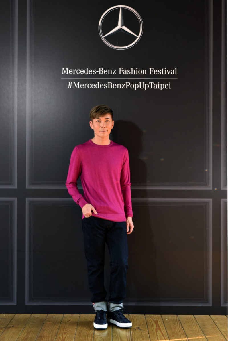 台灣賓士與義大利精品 Salvatore Ferragamo邀請到「亞洲造型王」陳孫華與現場車主提供穿搭教學,並擔任賓士時尚周開場講師。
