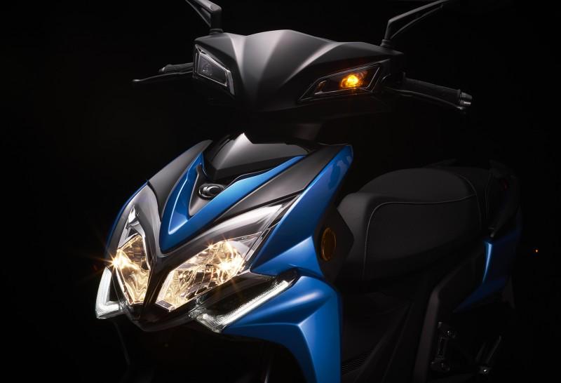 以仿賽時尚跑旅、凸顯霸氣車格的Racing S 150,卓越的騎乘設定搭配全新Noodoe儀錶板,更加展現前衛科技的魅力。