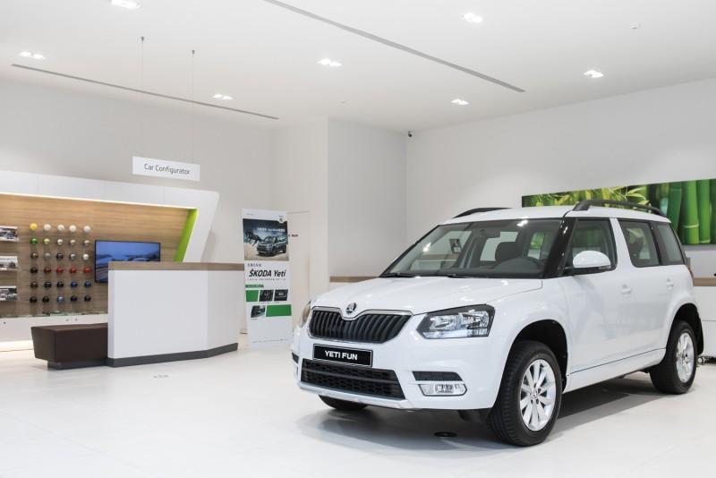 """Škoda Yeti Fun享樂特仕版則是將Active經典款予以升級,增加三幅真皮多功能方向盤 (具音響及電話控制)、MAXI DOT 高階行車電腦顯示幕、定速巡航系統以及16吋""""HELIX""""個性化鋁圈等四項套件,讓車主可以享有更便利的行車資訊以及舒適駕車體驗。"""