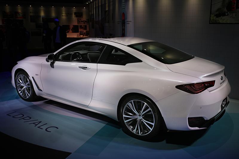即便2.0t車型,一樣保有Q60漂亮俊逸的優雅身形。