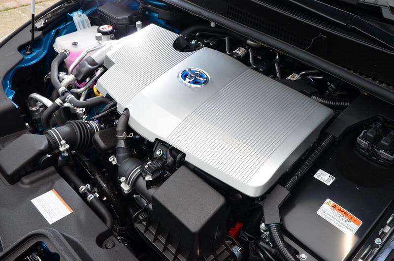 動力系統雖同為1.8升四缸自然進氣引擎搭配電動馬達,但電動馬達增設為兩組,純電模式的續航力可更為持久