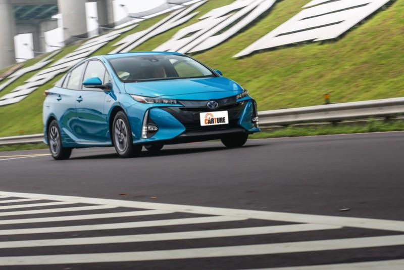 如需更直接的動力輸出須切換至Power模式,系統很容易就突破臨界值啟動內燃引擎提升助推力道