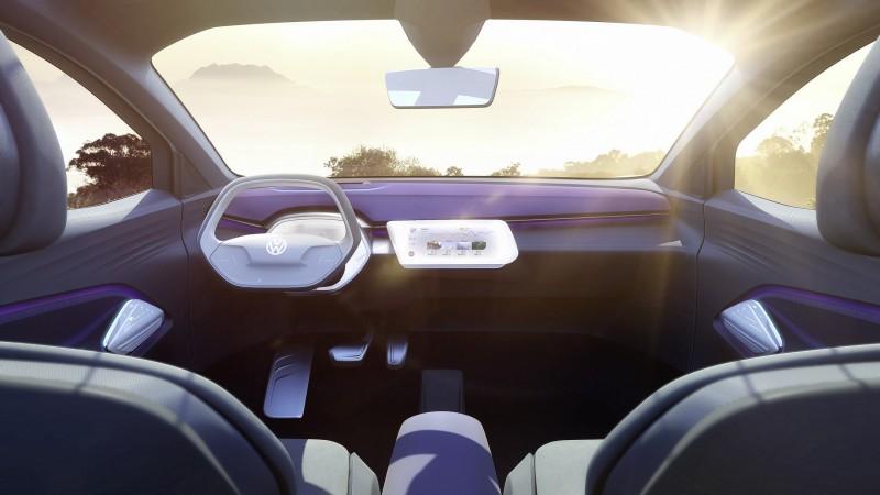 I.D. CROZZ概念車配備I.D. Pilot自動駕駛、手勢控制與車室動態氣氛燈等人性化科技,彰顯以人為本之創新造車理念