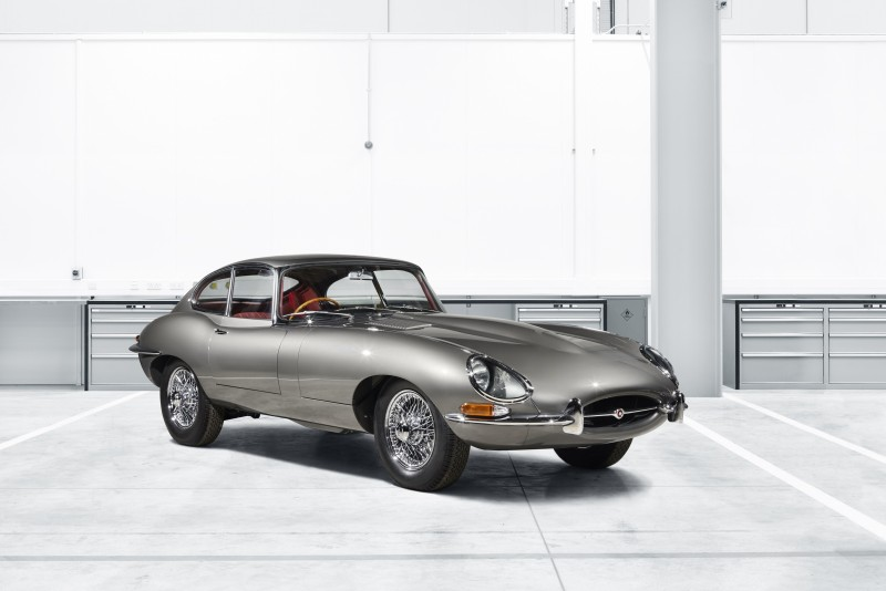 Jaguar為完美重現世紀經典,由旗下「Jaguar Classic」部門打造10 輛Jaguar E-TYPE Reborn,重現絕美優雅身段。