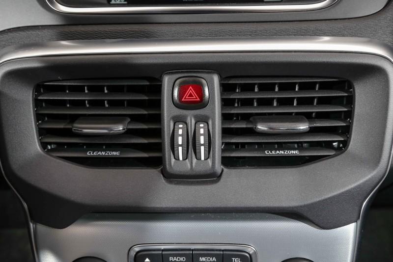 空調出風口直接標明了CLEANZONE字樣,說明Volvo於潔淨車室所做的努力。