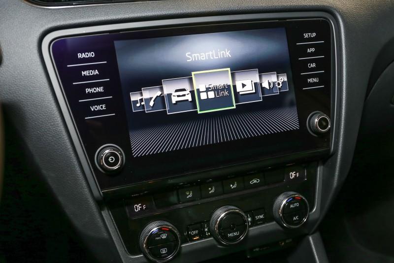 「BOLERO」8吋彩色觸控MIB多媒體資訊娛樂系統以及Smartlink智慧互連裝置為全車系標準配備,展現誠意。