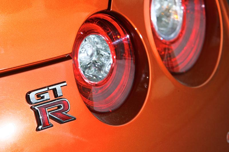 Nissan GT-R彷彿一輛源自東瀛的美式肌肉王者,蠻橫、暴力、睪固酮滿溢到簡直沙文主義。
