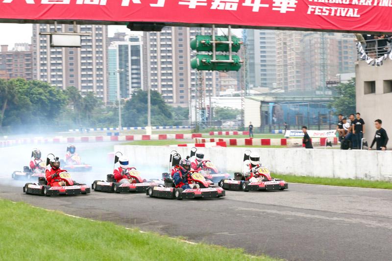 64號的羅俊耀可說是本次Super N35體驗爭先賽的大贏家,連奪竿位、預賽與決賽第一。