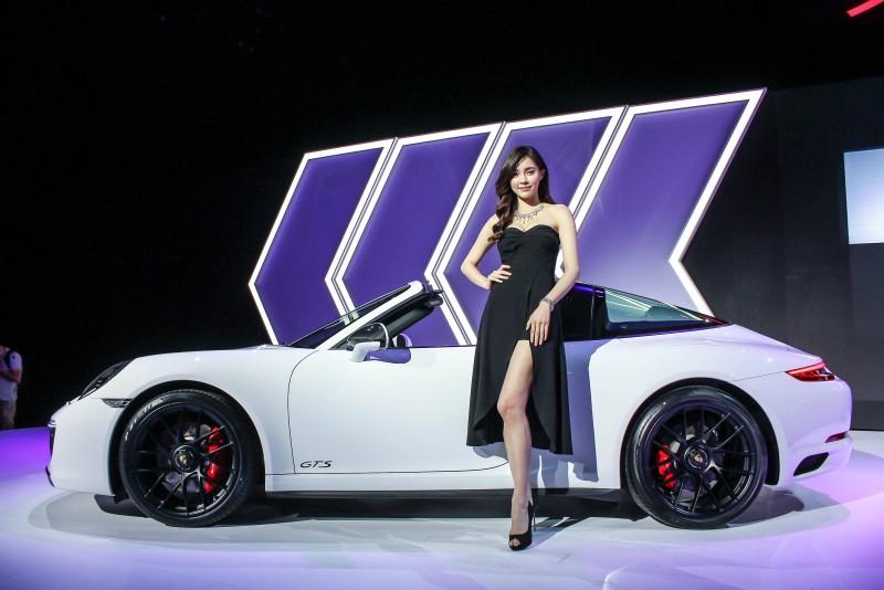 勁車美人,黑白典雅看起來就是舒服
