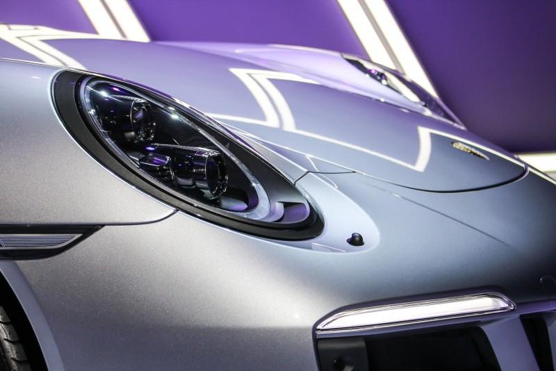 經典蛙眼頭燈!或許下一代911能夠推出雙車頭造型,讓經典圓形蛙眼與更前衛的流線蛙眼能同時並存