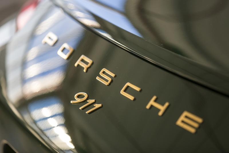 第100萬輛911將擁有獨特的金色徽飾。