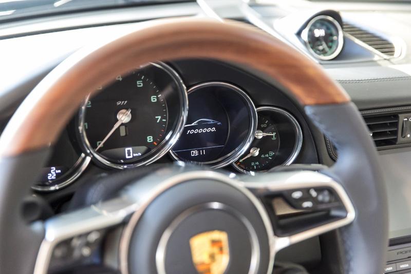 這輛別具意義的911將不會販售,只會於全球巡演,最後由Porsche博物館收藏。在