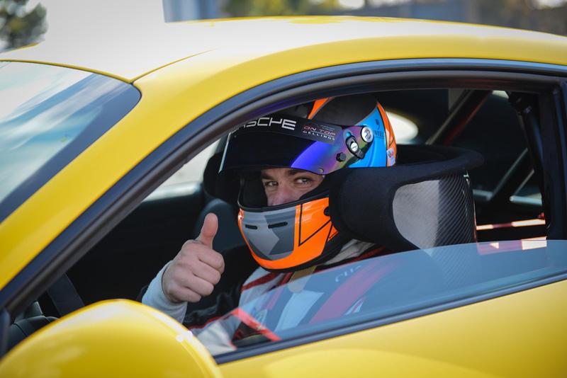 Porsche測試車手 Lars Kern。