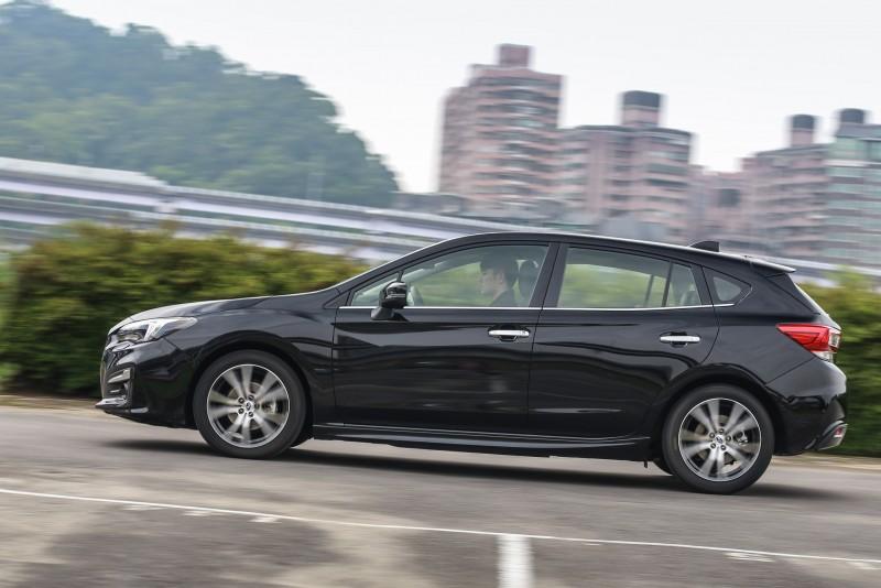 下盤的紮實度與懸吊系統對應台灣道路的合宜性,提升了Impreza 5D 1.6i-S擔任一般通勤用車的親和度。