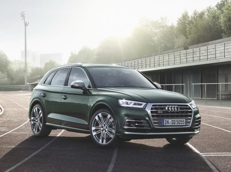 延續第一代Audi Q5 締造傳奇經典,台灣奧迪即將於七月份正式發表全新世代Audi Q5 │ SQ5 車系,即日起以建議預售價235萬元起開放預售,敬邀把握絕佳入主時機!