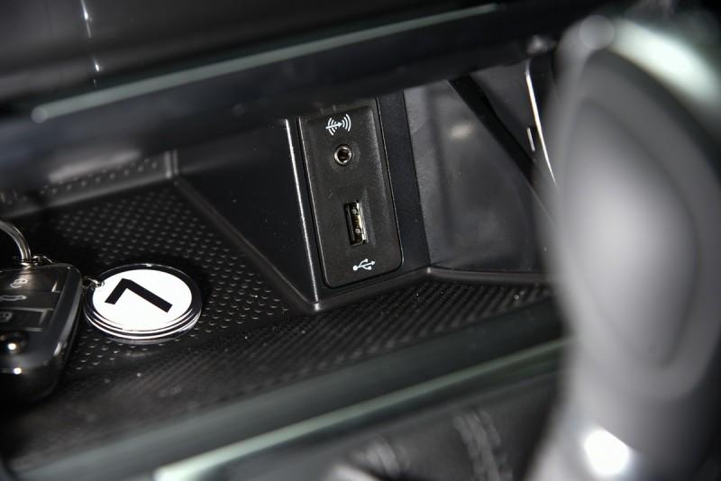 新車怎能沒有USB插槽與音源輸入