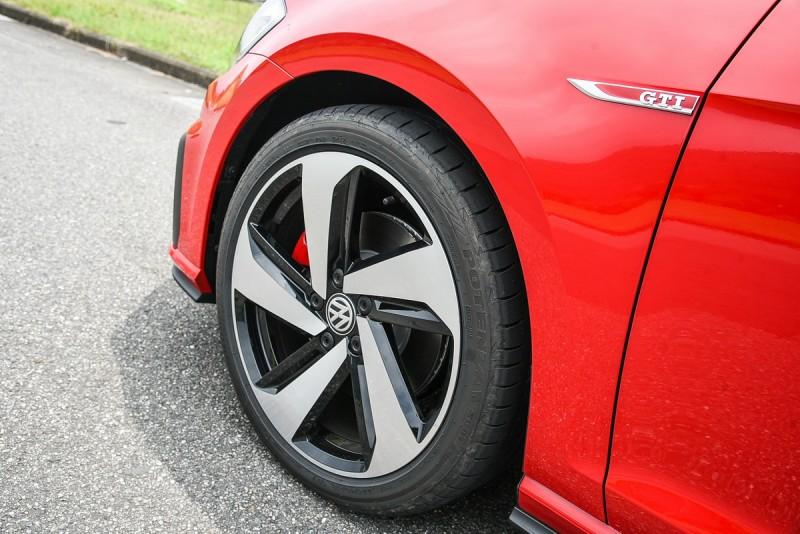 五燈獎圈已經進化成風扇,葉子板上同樣有GTI銘牌