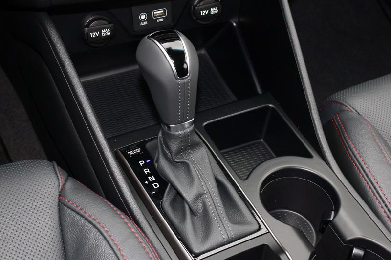 Tucson車系首度導入了七速雙離合器自手排變速系統。