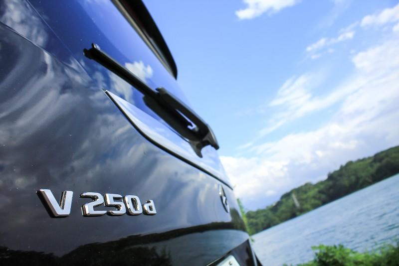 扭力充沛的柴油引擎就算車上乘客滿載爬坡上下產業道路也很輕鬆