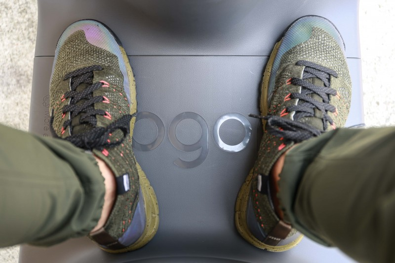 踏板空間以US 8號球鞋尺碼提供參考。