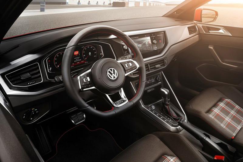 Polo GTI的座艙非常的GTI,令人愛不釋手。