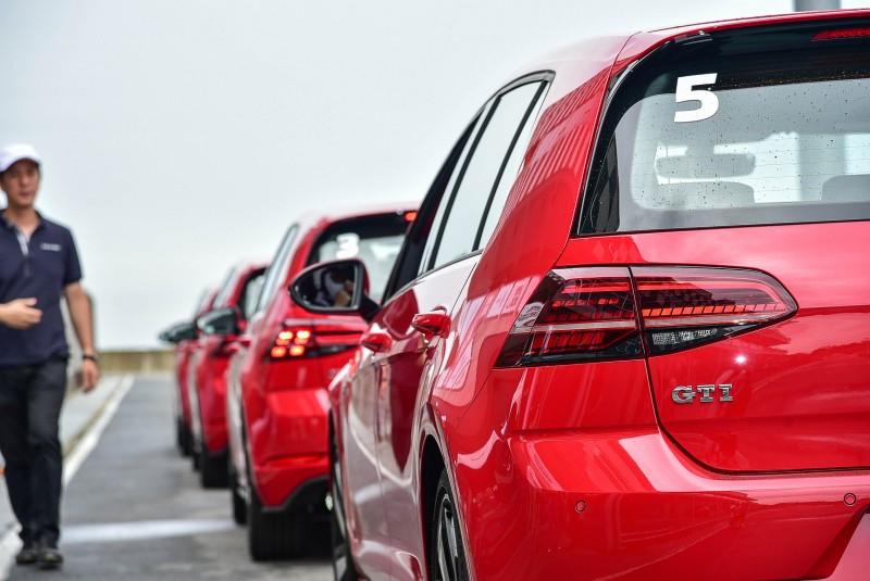 GTI的動態LED尾燈在賽道上更顯眼