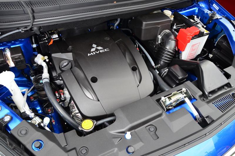 引擎仍沿用過去的1.5升DOCH四缸引擎,最大122匹馬力在市區優游已足夠