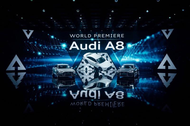 新一代的旗艦豪華房車Audi A8 搭載Level 3自動駕駛技術(piloted driving),未來,駕駛在高速公路上塞車時,可以切換為自動駕駛模式,駕駛者不需要再聚精會神的等待塞車時的車輛操控;停車時,也可以完全由車輛自行運作,不需要再有人力介入。