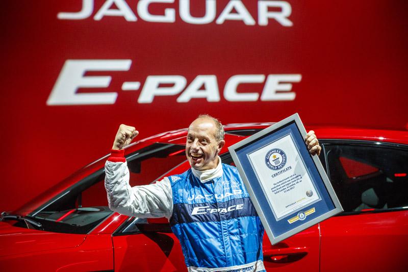 21 項金氏世界紀錄保持者的英國傳奇特技車手 Terry Grant 。