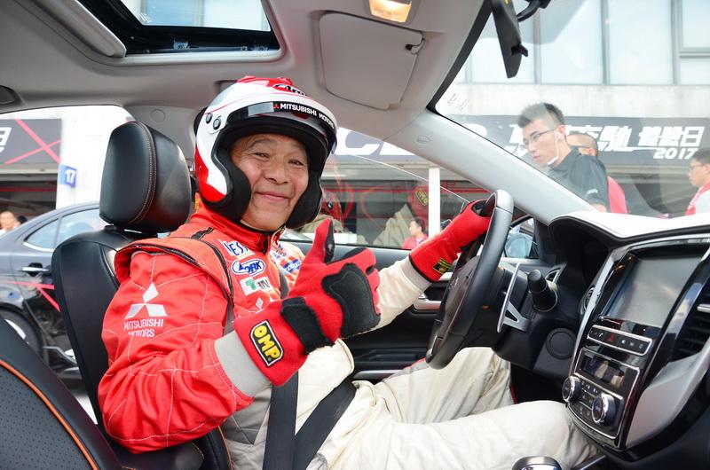 增岡浩(Masuoka Hiroshi)即便已57歲高齡,對賽車的熱情依舊不減