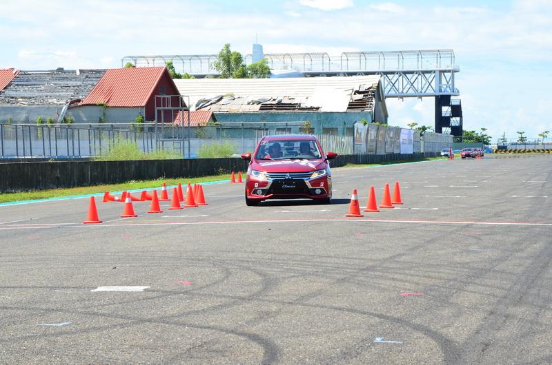 「緊急閃避測試」目的在於讓駕駛熟悉緊急狀況的應變能力